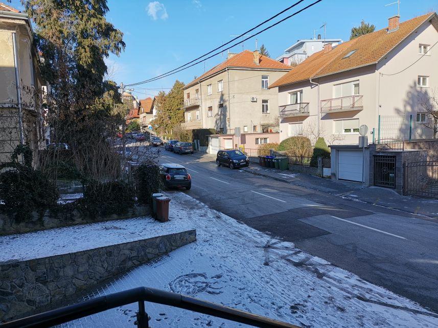 Zagreb, Šalata, stanovi